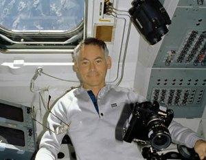 Nikon_F3_NASA_STS_27_01