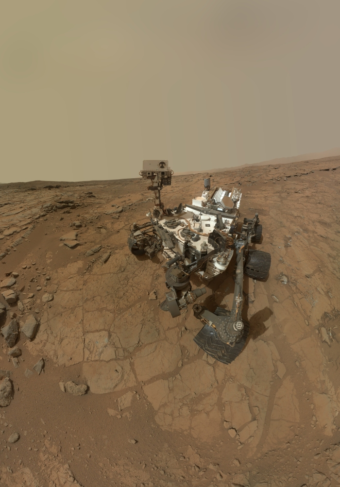 "Curiosity sur Mars ""Rover's Self Portrait"""
