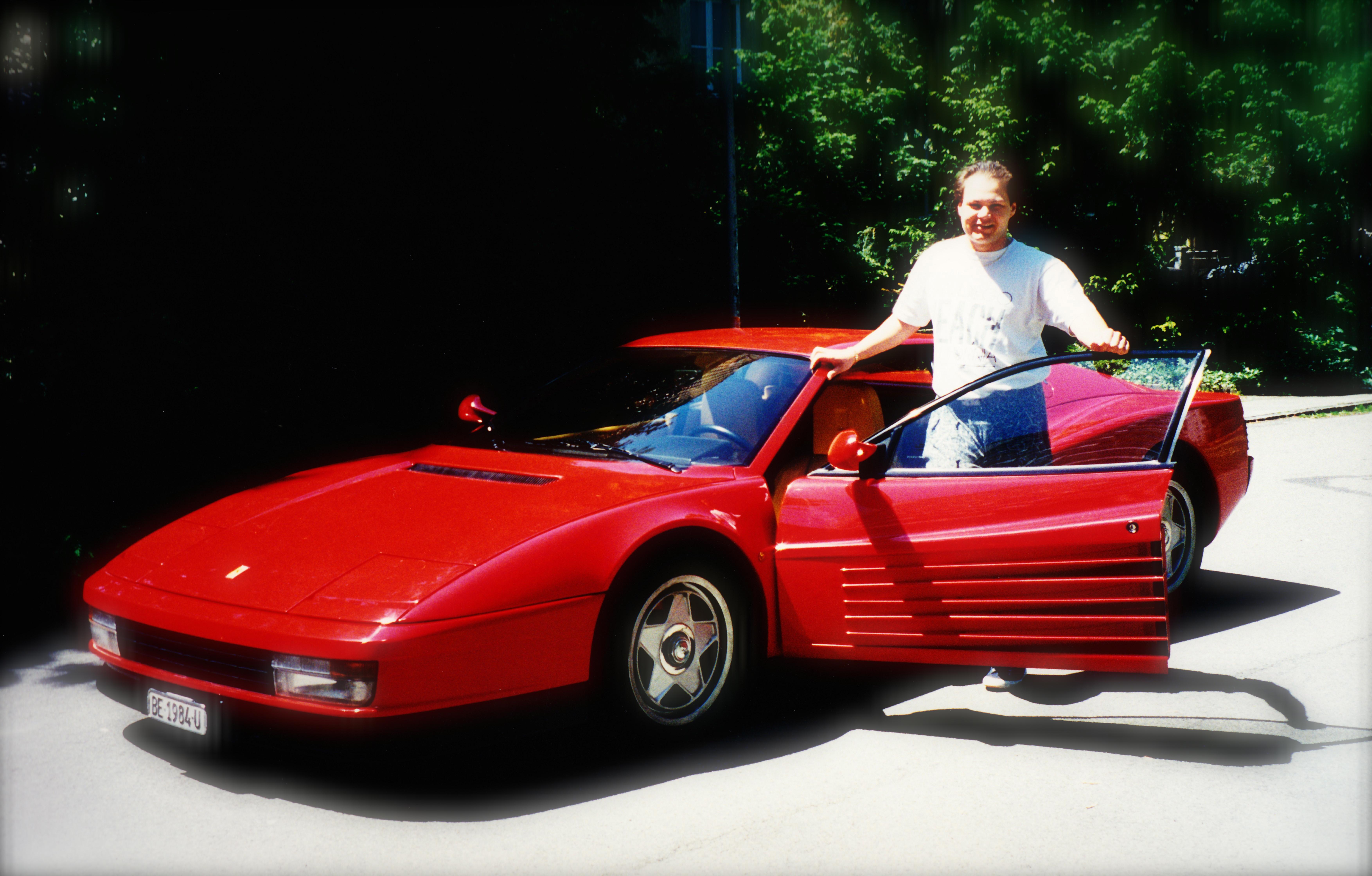 Ferrari Testarossa Les Yeux 233 Changent Leur Regard Et Les